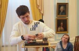 Павел Калтыгин с первой учительницей по художественной школе Еленой Тимофеевой