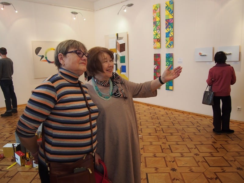 На вернисаже выставки «Северное направление: нашествие цвета»