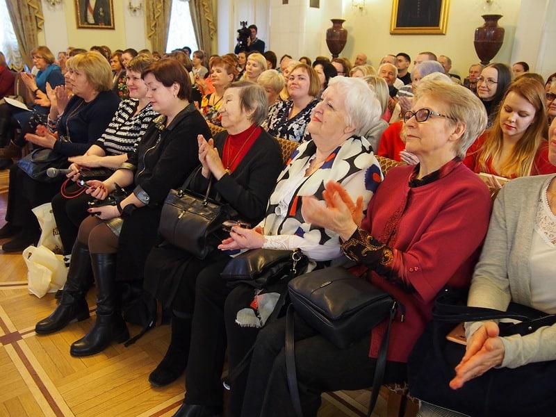 В зале собрались фольклористы, музейщики, историки и обычные люди, увлеченные родной стариной. Часто звучала карельская речь