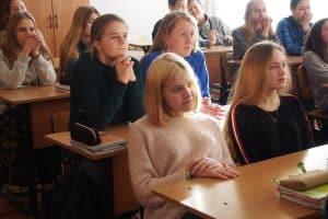 Во время встречи с учениками 8 класса школы №3. Ребята заинтересовались  проектом