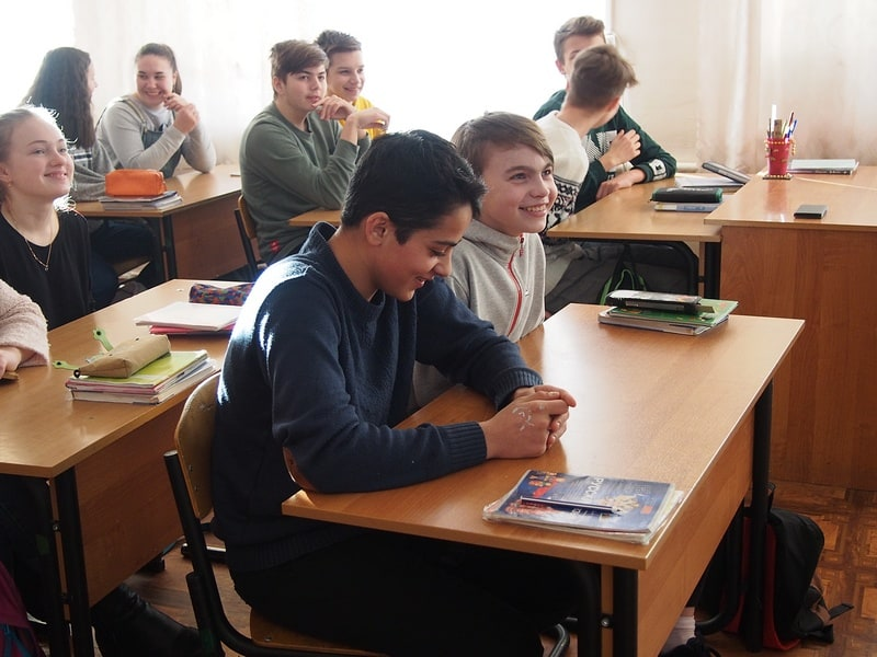 Очень активной стала встреча с учениками 8 класса школы №3. Ребята сразу начали придумывать и фантазировать