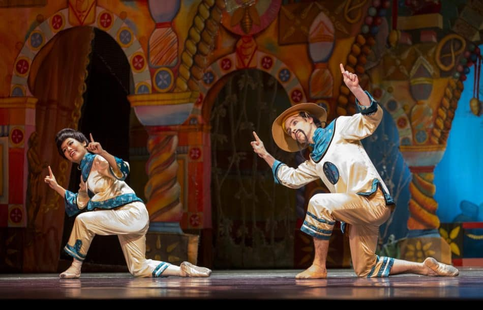 «Щелкунчик», Китайский танец («чай») – Тамами Кондо, Александр Шутов. Фото Виталия Голубева