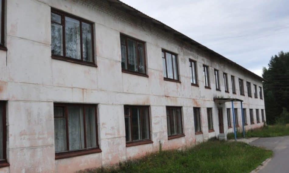 Пришкольный интернат в Гирвасе. Фото: Сергей Юдин (ИА «Республика»)