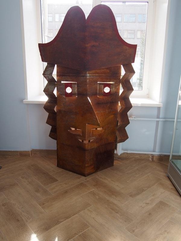 """На выставке Валерия Кошелева """"Складка. Линия. Сюжет. Графика. Живопись. Объекты"""""""