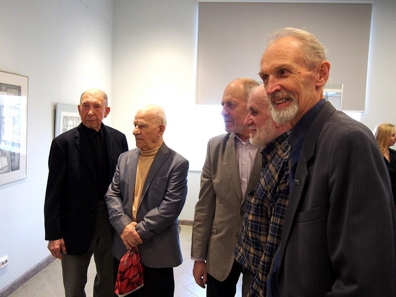 С мэтрами крельской живописи. Слева направо: Борис Поморцев, Александр Каштанов, Валерий Кошелев, Бадри Топурия, Валентин Чекмасов