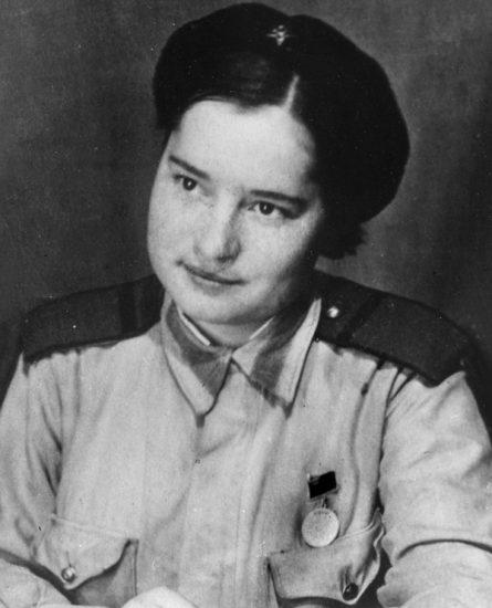 Военное фото - мама Мария Корнеева (Кутькова), 1943 год