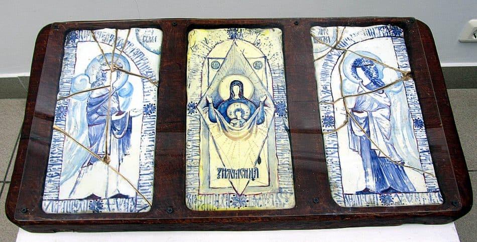 «Знамение». Иконная настенная композиция. Цветное стекло, роспись цветными эмалями, золото, дубовая рама