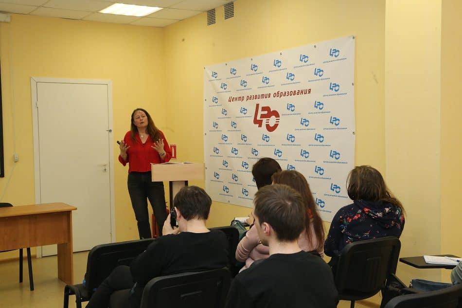 Франсуаза Дюбуа на встрече в Петрозаводске. Фото Владимира Ларионова