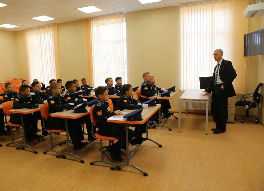 Петрозаводское президентское кадетское училище открылось 1 сентября 2017 года. Фото Владимира Ларионова