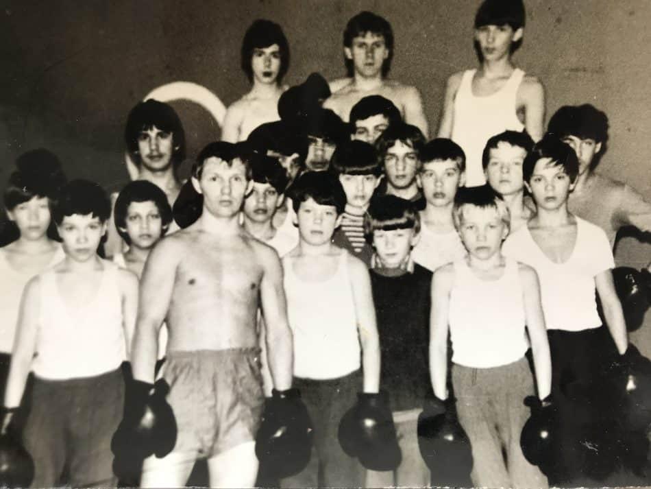 Тренер Василий Макаров командой воспитанников, 1985 год