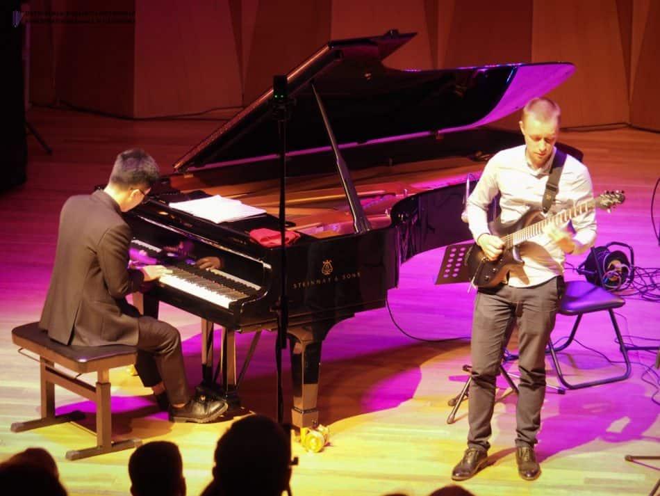 Яков Филин (гитара) и Тунг Дао Тханг (фортепиано)