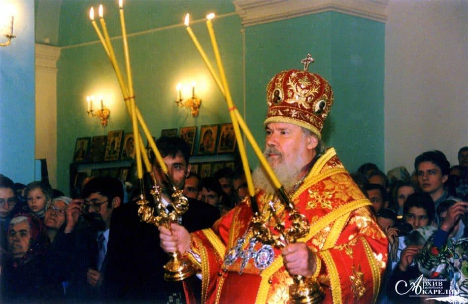 освящение Александра-Невского собора Патриархом Алексием II. Петрозаводск, 3 июня 2000 года. Автор съемки В.А. Ларионов