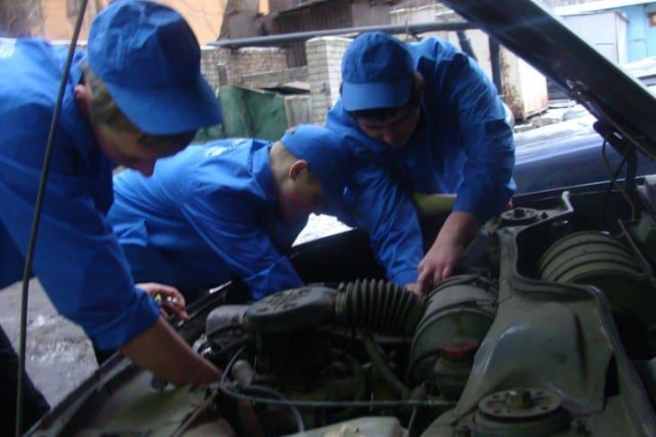 Профессия автомеханика - одна из самых востребованных в Карелии. Фото: 11klassniki.ru