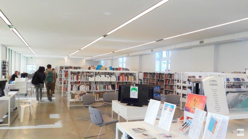 В Библиотеке Франсуазы Саган