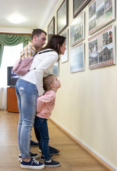 В Ночь музеев открылась выставка «Территория кино. Фильмы, снятые в Карелии». Фото Леонида Николаева