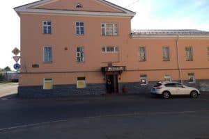 """В помещениях бывшего ресторана """"Петровский"""" будут размещаться ремесленные мастерские. Фото: www.yell.ru"""