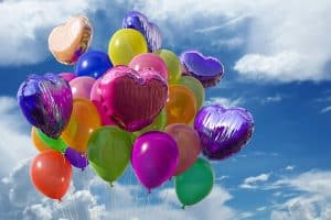 Администрация Петрозаводска выступает против запуска воздушных шаров и бумажных фонариков