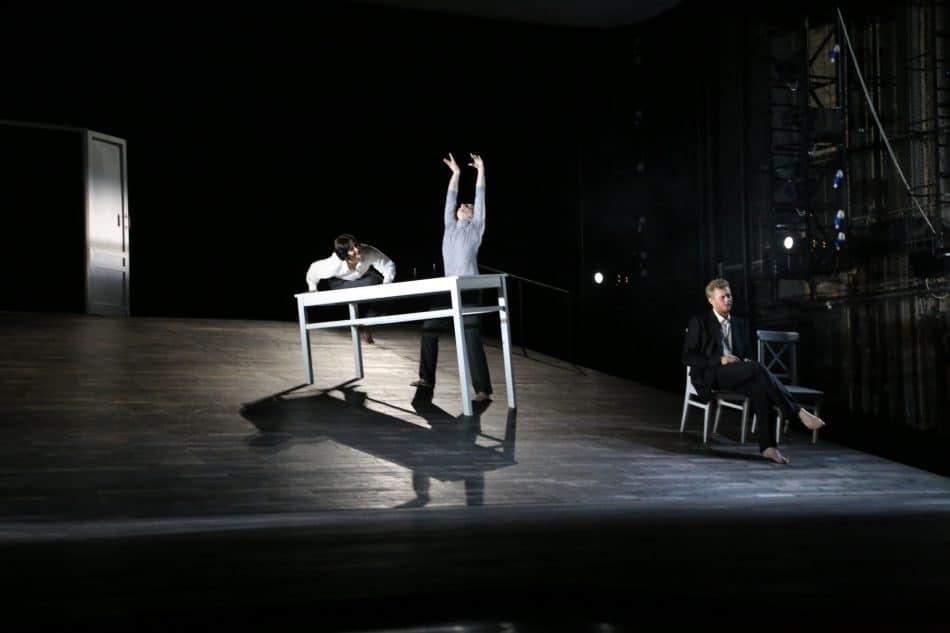 Сцена из балета Музыкального театра Карелии «Чайка. Искусство любить» в постановке Кирилла Симонова. Фото Владимира Ларионова