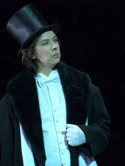 Игорь Макаров в роли Онегина. Фото Виталия Голубева