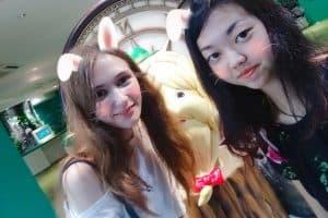 Анастасия Федотова с японской подругой