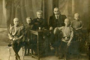 1910 год Антон, Елизавета, Ольга Николаевна, Оскар Карлович, Александр, Евгений