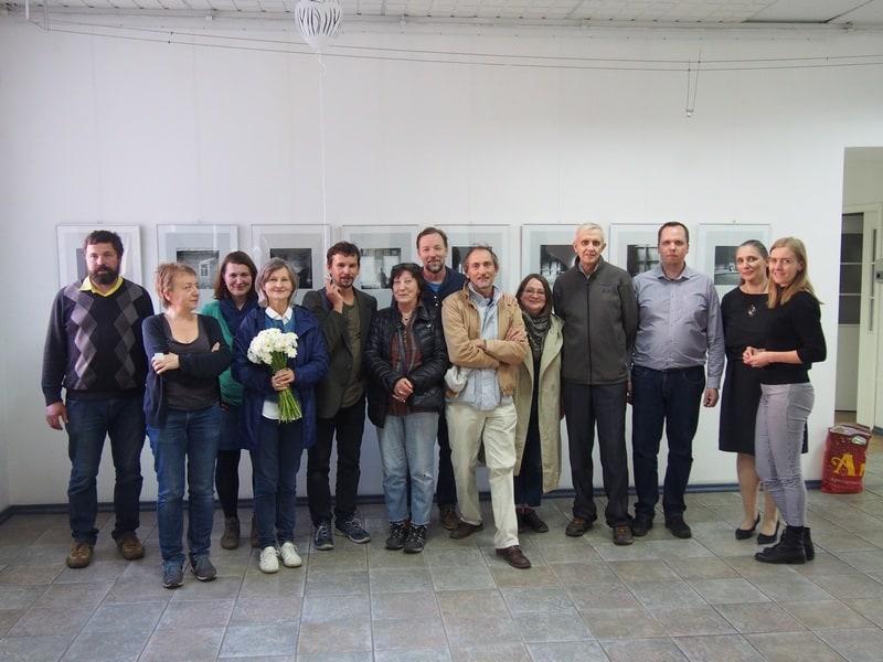 Шамиль Хайров и Алексей Савкин с друзьями и организаторами выставки