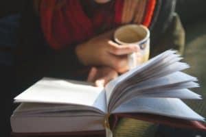 Россияне предпочитают читать книги по истории, биографии и исторические романы