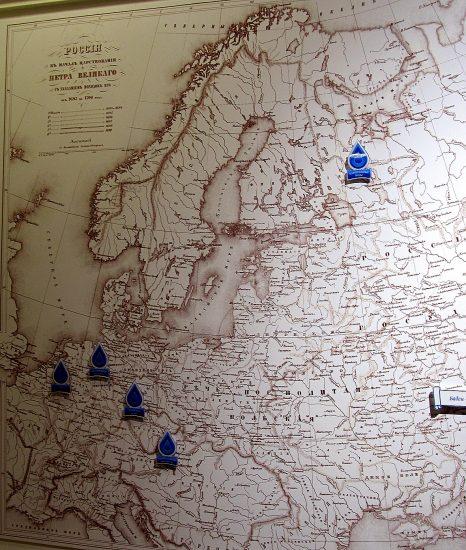 Недавнее пополнение Петровского зала - карта «Петр I на курортах минеральных вод Западной Европы и Карелии»