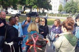 Экскурсия по городу с гидом-беженцем