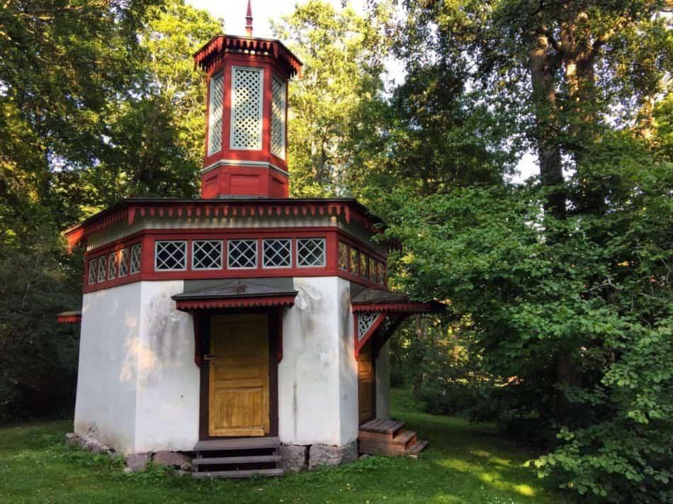 Царская уборная, построенная к приему Александра II. Фото Ларисы Хенинен