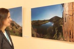 В ПетрГУ открыта фотовыставка о петроглифах Онежского озера и португальской долины Коа