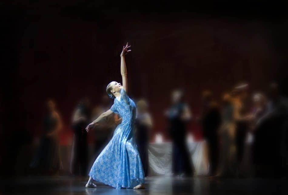 """""""Золушка"""". Сцена из балета Музыкального театра Карелии"""