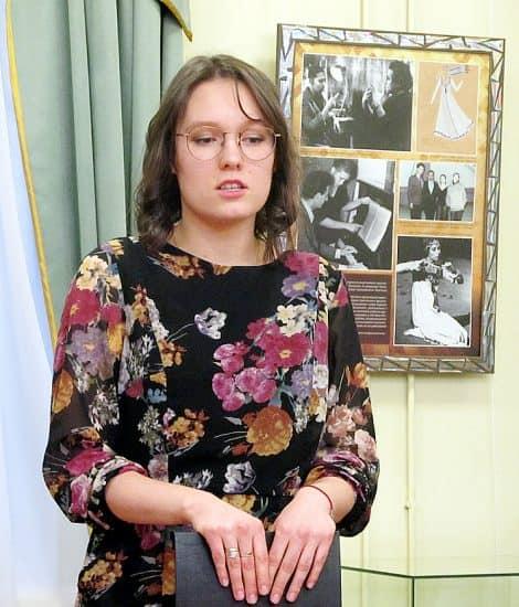 Куратор выставки Софья Чайкина. Фото: Валентина Чаженгина