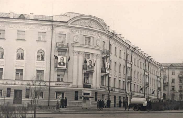 Дом Онегзавода в начале 1960-х. Фото Л. Михайлова