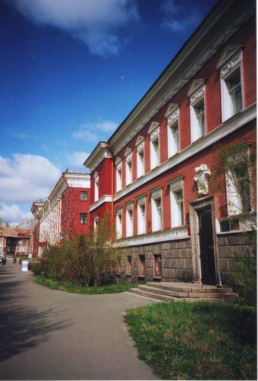 Здание архитектурно-строительного техникума на ул. Энгельса. Фото: Е. Ициксон