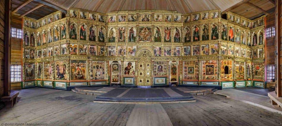 В Преображенской церкви Кижского погоста установили иконостас