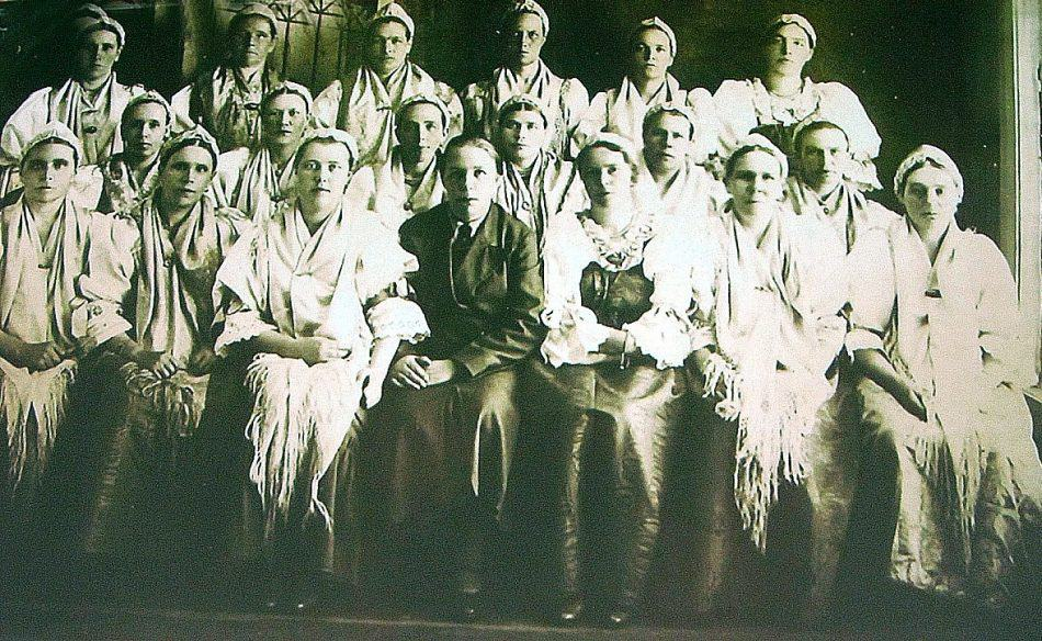Хор поморской песни железнодорожного клуба ст. Сорокской. 1937 год