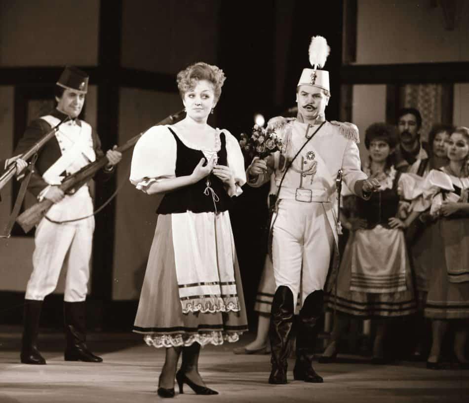 Адина – Нина Болдырева, Белькоре – Владимир Вавилов («Любовный напиток», 1989). Фото Виктора Хаскина