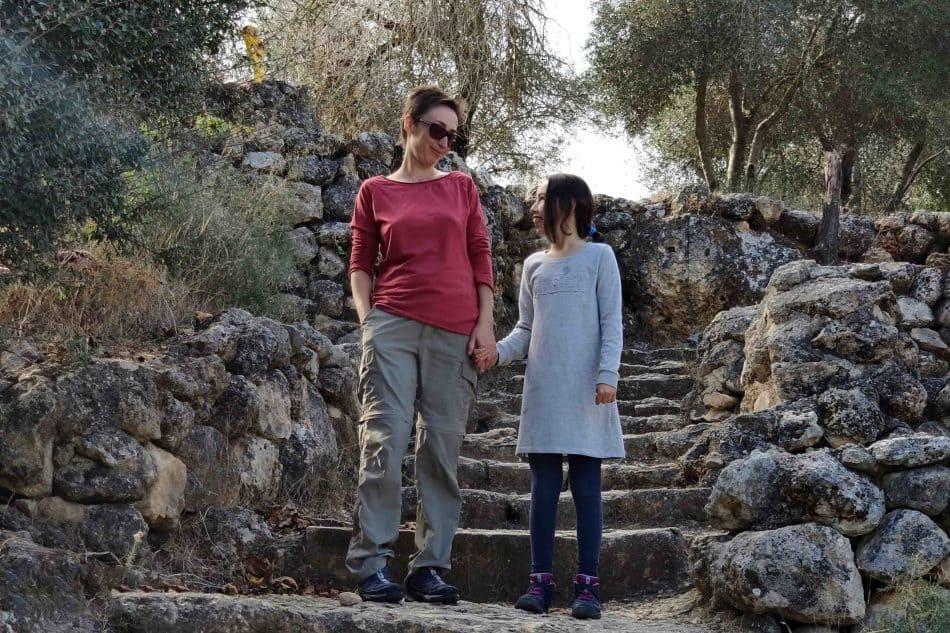 Анна Резников с дочерью Орой. Фото из семейного архива