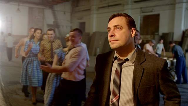 """Кадр из сериала """"Оттепель"""""""