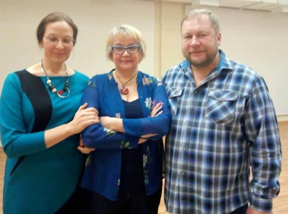 После лекции (слева направо): Ирина Мелентьева, Людмила Баулина и Дмитрий Новиков. Фото: Наталья Мешкова