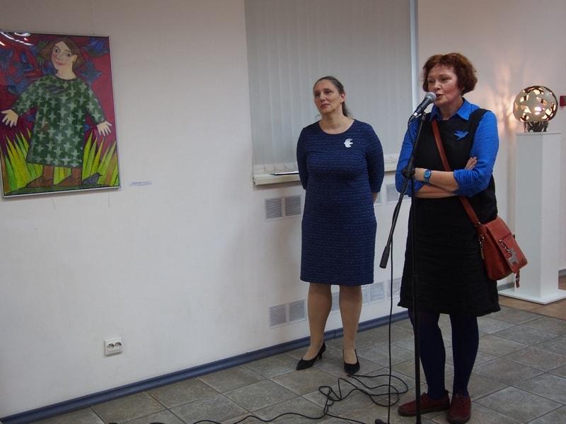 Директор ГВЗ Мария Юфа (слева) и Виктория Зорина, куратор выставки