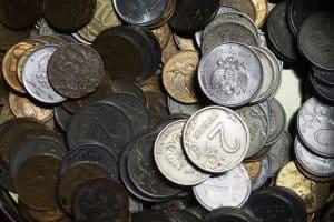 Учитель получил стимулирующие выплаты 600 рублей, завуч — 6 тысяч