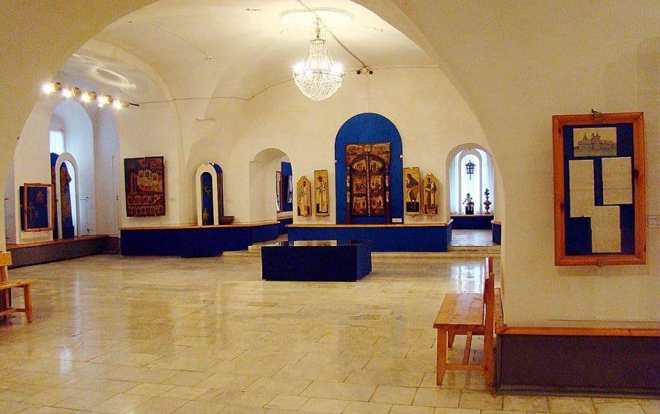 В Музее русской церковной старины на набережной, которая носит имя Кускова