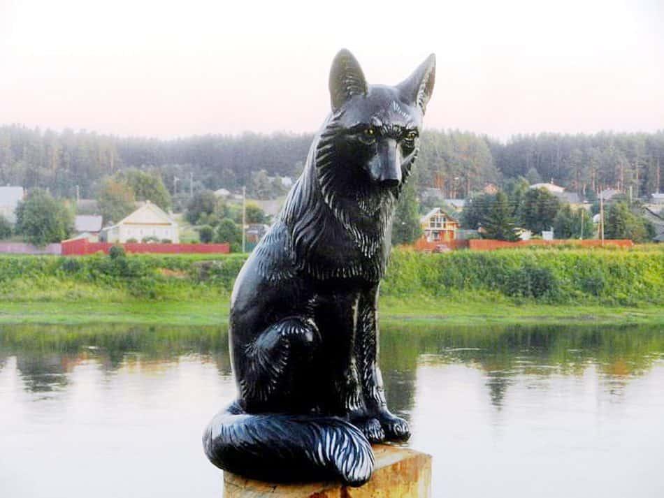 Памятник «иностранному» зверю, который попал на герб Тотьмы