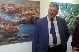 Алексей Бойко в Музее изобразительных искусств Карелии. Фото Виктории Никитиной