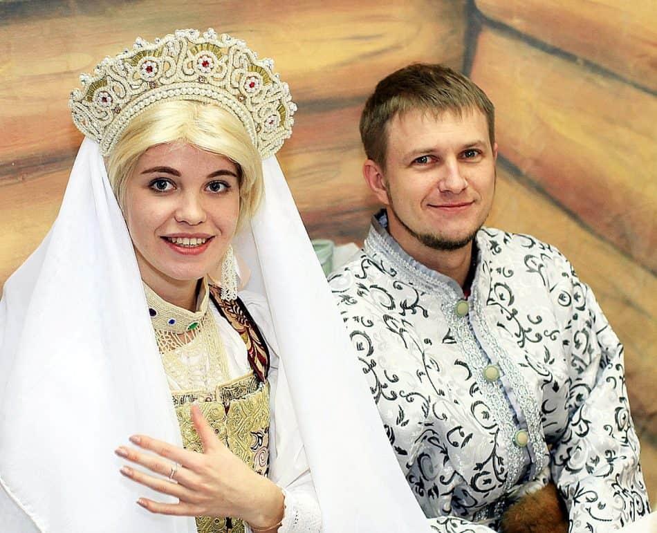 свадебные наряды поморских невесты и жениха