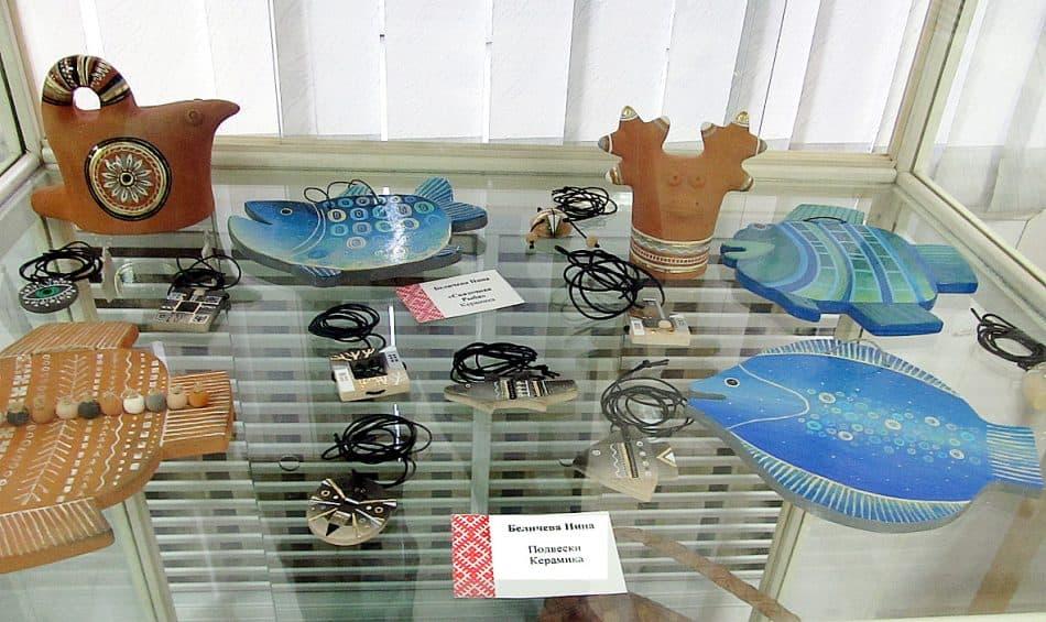 Bз керамики можно делать не только посуду, предметы декора, но и прекрасные украшения. Работы Нина Беличевой