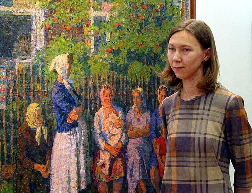 Куратор выставки Ксения Еловских