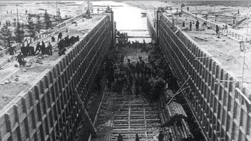 На строительстве Беломорско-Балтийского канала. Фото: uznaika.com